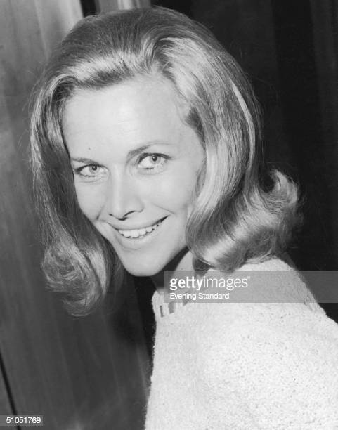 English actress Honor Blackman leaves London Airport for Rio de Janeiro to attend a film festival September 1965