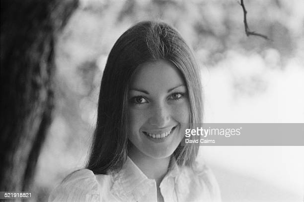 English actress Jane Seymour announces her engagement to Michael Attenborough 28th October 1969
