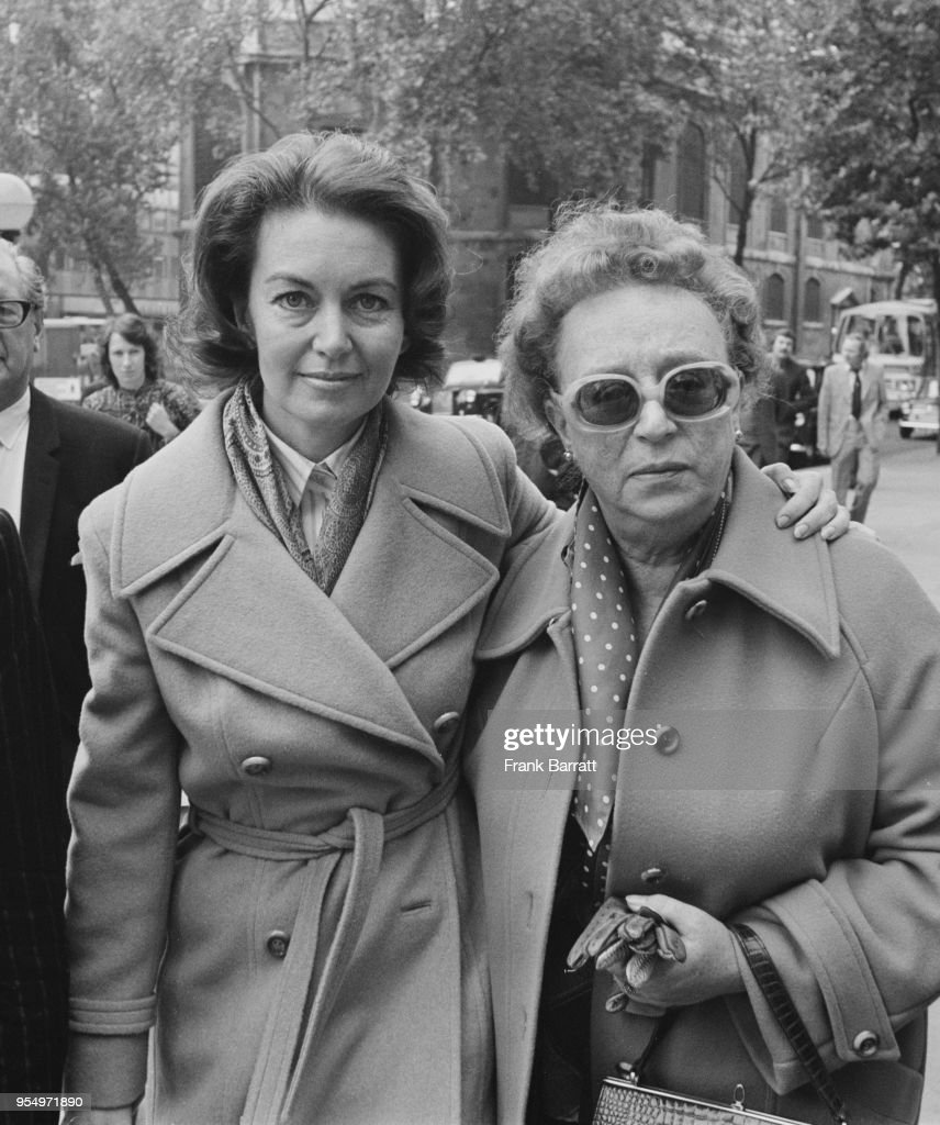 Janette Scott And Thora Hird : News Photo