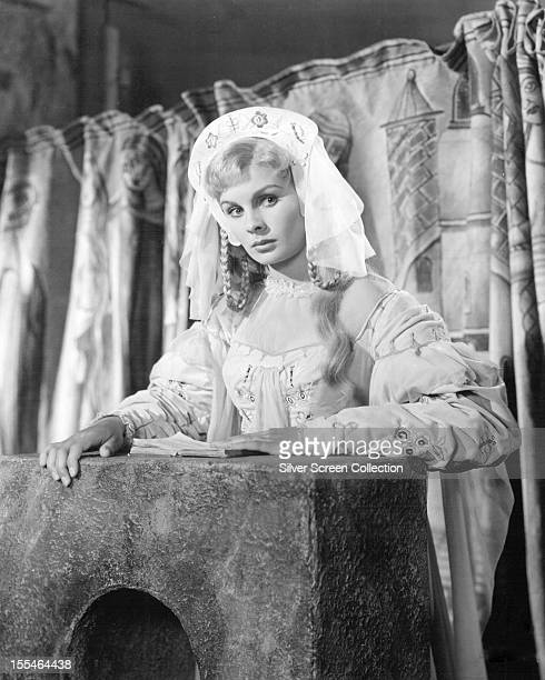 English actress Jean Simmons as Ophelia in Laurence Olivier's film of Shakespeare's 'Hamlet' 1948
