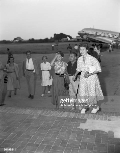 English actress Jean Simmons portrayed at the airport Lido Venice 1950