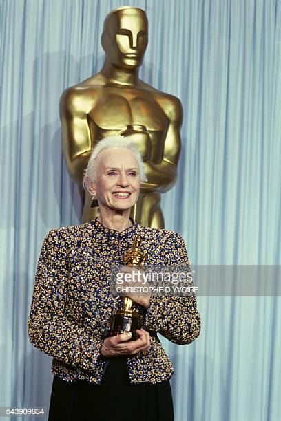 English actress Jessica Tandy with her Best Actress Oscar award for her role in the film Driving Miss Daisy directed by Bruce Beresford