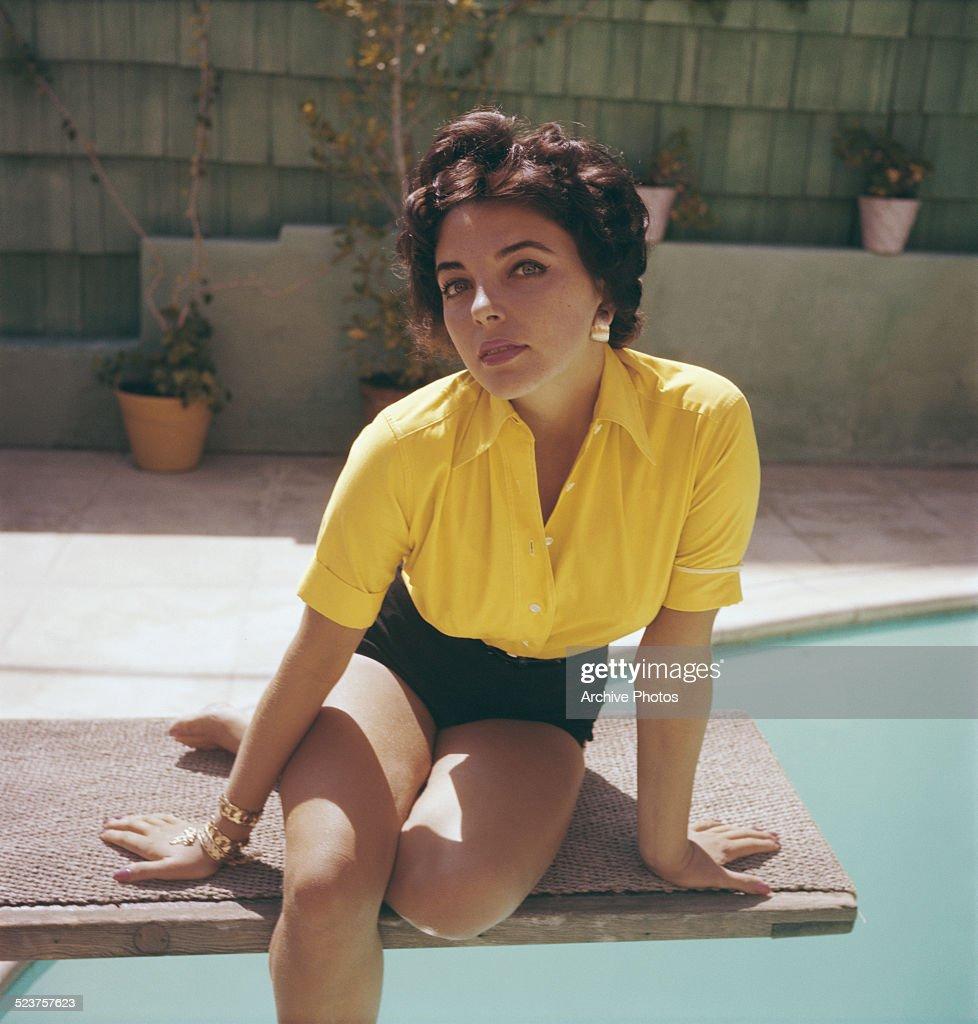 Joan Collins : News Photo