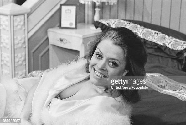 Lynda baron in west end farce pictures getty images for Farce in english
