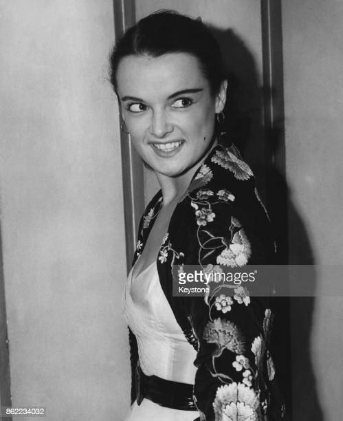 English actress Mercy Haystead arrives at the Odeon Leicester Square in London for the premiere of the film 'Meet Me Tonight' 11th September 1952