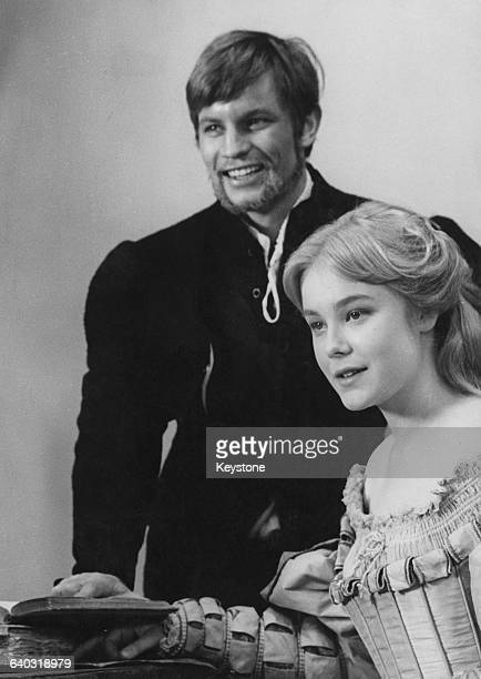English actress Natasha Pyne as Bianca and Michael York as Lucentio in Frank Zeffirelli's film version of the Shakespeare play 'The Taming of the...