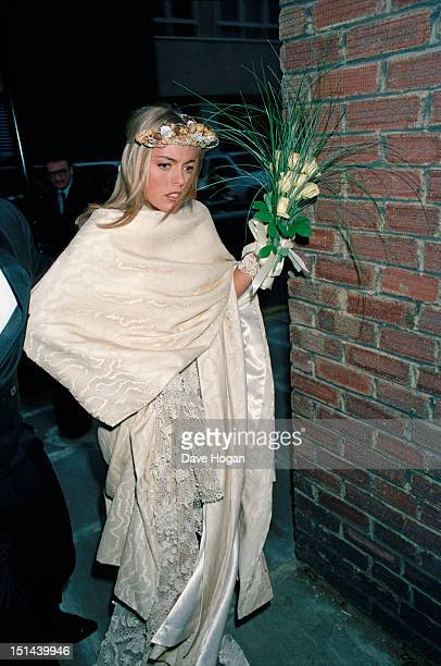 English actress Patsy Kensit arriving at Chelsea Register Office London before her wedding to Scottish singer Jim Kerr of rock group Simple Minds 3rd...