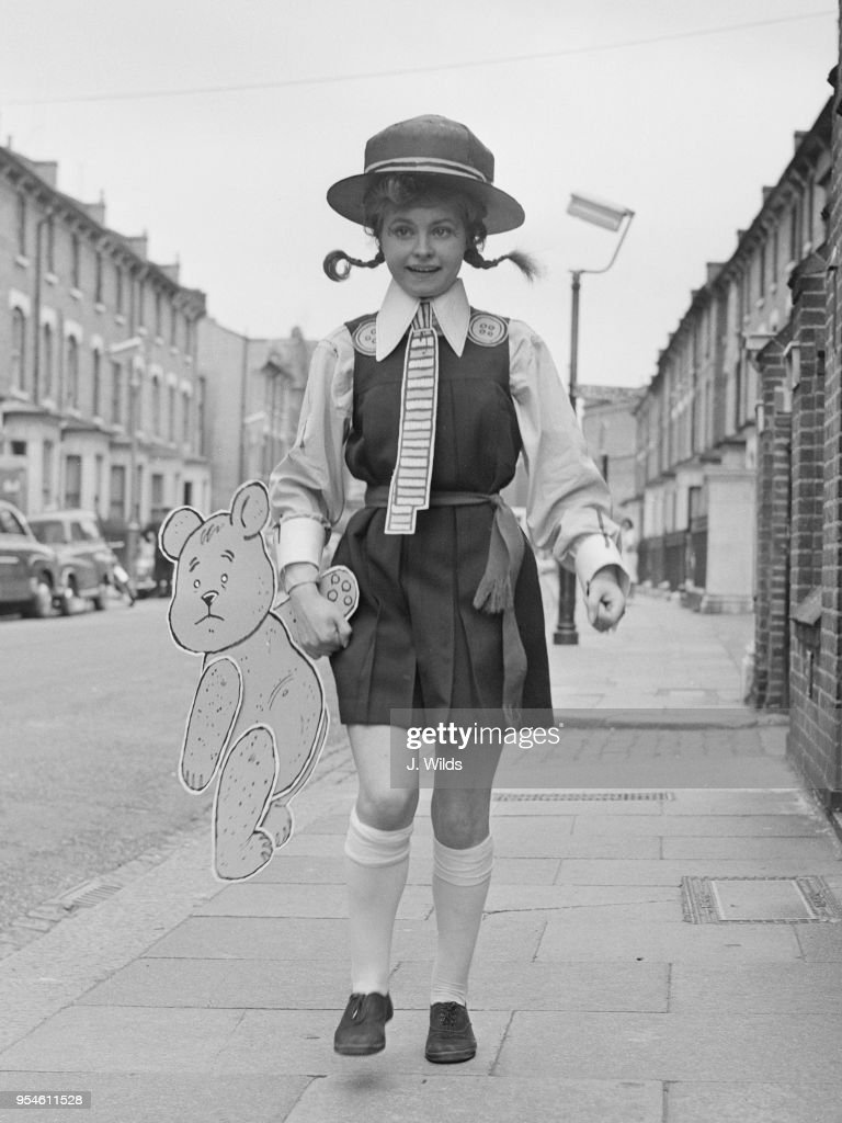 Communication on this topic: Sarah Linda (born 1987), prunella-scales/