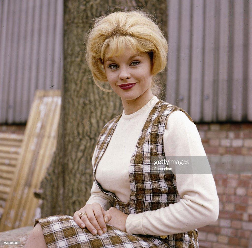 Sally Smith (actress)