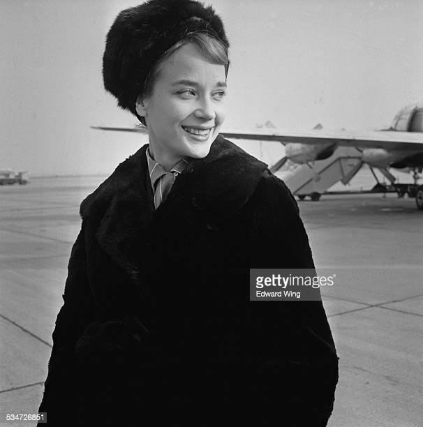 English actress Sylvia Syms at the airport, 6th November 1960.