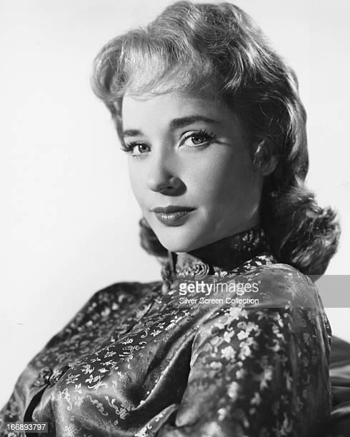 English actress Sylvia Syms, circa 1960.