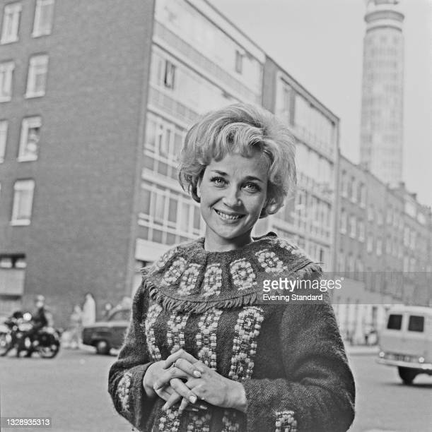 English actress Sylvia Syms in Fitzrovia, London, UK, 27th September 1965. She has just been signed to play Peter Pan on the stage.