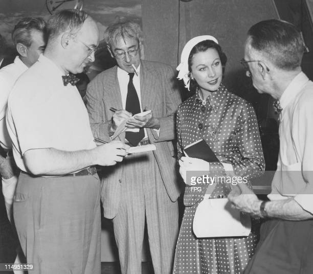 English actress Vivien Leigh with reporters in New York 1951 Leigh is on her way to Hollywood to film 'A Streetcar Named Desire' with director Elia...