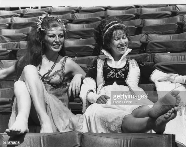 English actresses Rula Lenska as Titania and Elizabeth Estensen as Helena during rehearsals of the New Shakespeare Company production of 'A Midsummer...