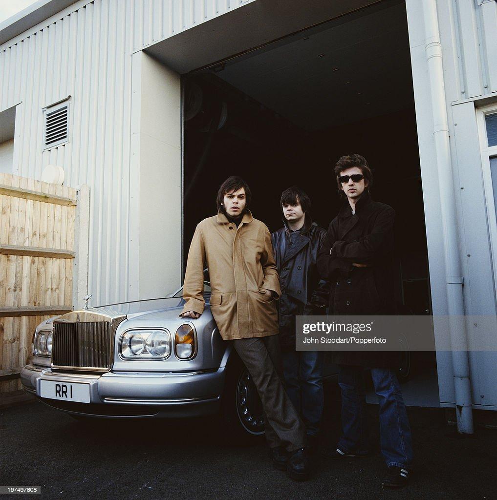 English alternative rock band Supergrass (L - R Gaz Coombes, Mick Quinn, Danny Goffey), circa 2002.