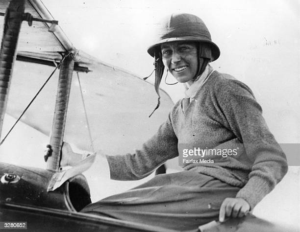 British aviator Amy Johnson arriving in Port Darwin after her 19 day solo flight from England