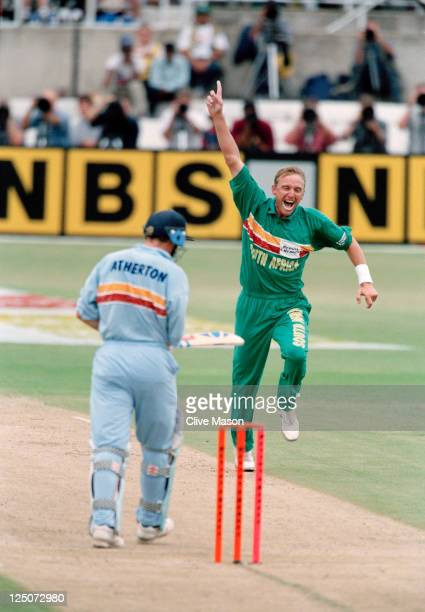 English batsman Mike Atherton and South African bowler Allan Donald during the 5th one day international against England at Kingsmead Durban South...