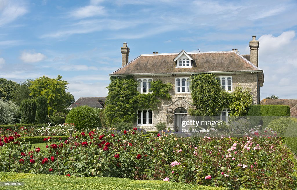 English Country Cottage : Stock Photo