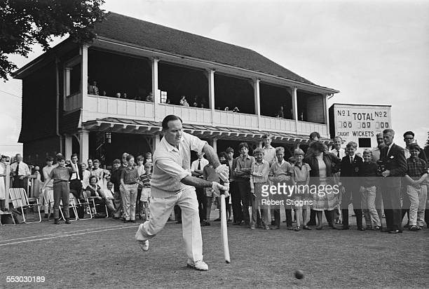English cricketer Godfrey Evans playing for Kent County Cricket Club against Yorkshire County Cricket Club after an absence of nine years, 9th August...