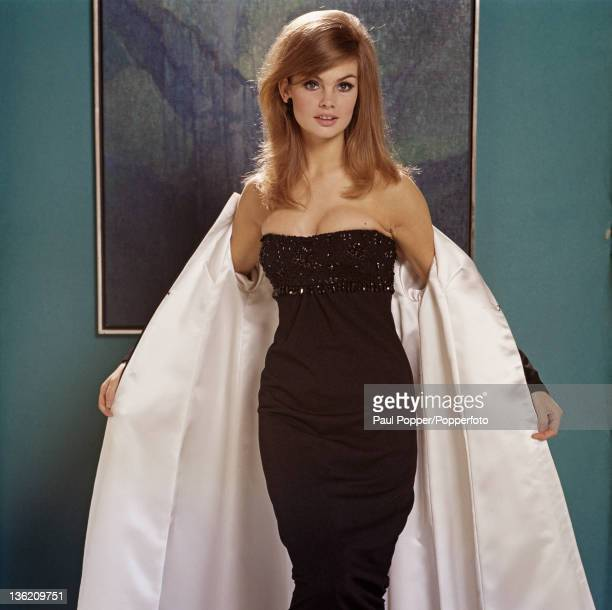 English fashion model Jean Shrimpton 1965