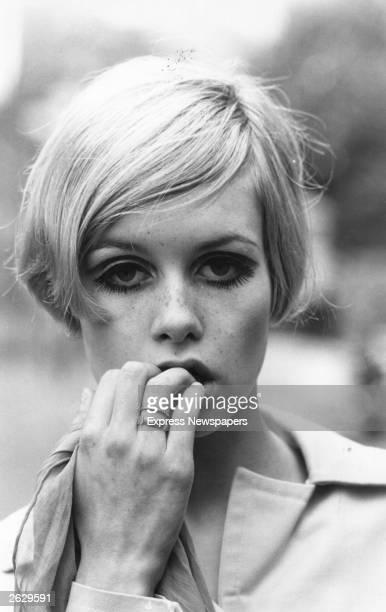English fashion model Twiggy, born Lesley Hornby.