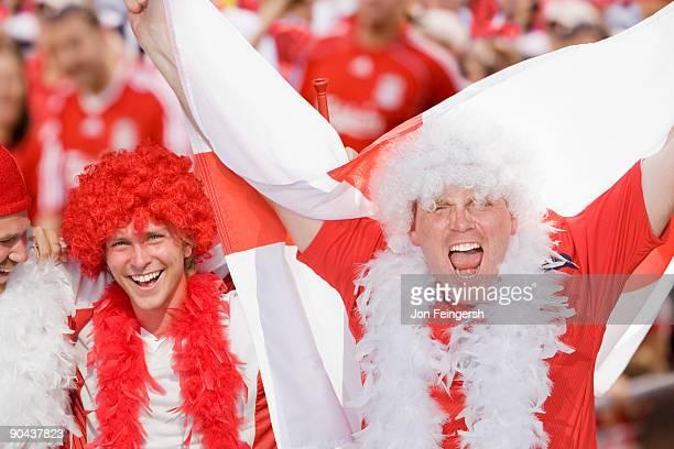 english football fans cheering - internationaal voetbalevenement stockfoto's en -beelden