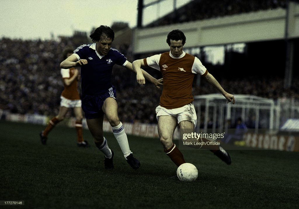 English Football League Division One, Arsenal v Chelsea, Liam Brady runs with the ball, emma19276.