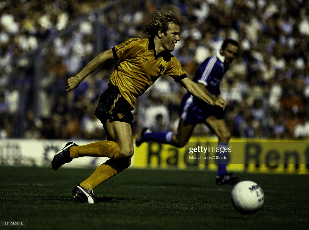 English Football League Division One, Brighton v Wolverhampton Wanderers, Andy Gray.