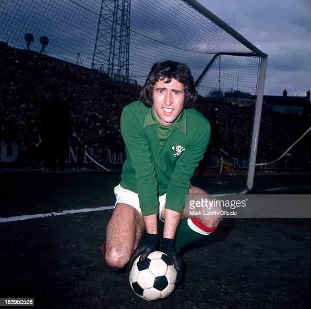 English Football League Division One Chelsea v Liverpool Chelsea goalkeeper Peter Bonetti