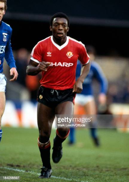 English Football League Division One Ipswich Town v Manchester United Garth Crooks of United