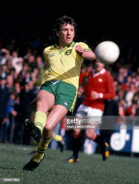 English Football League Division One Norwich City v Manchester United Martin Peters