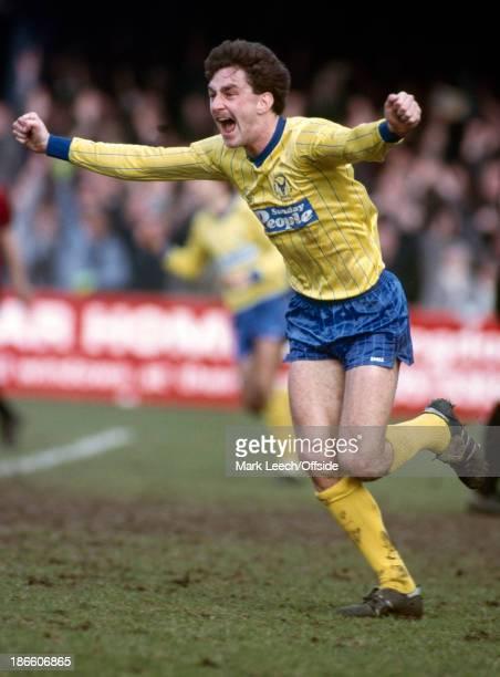 English Football League Division One Oxford United v Manchester City John Aldridge celebrates his goal for Oxford