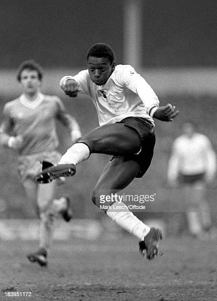 English Football League Division One Tottenham Hotspur v Manchester City Garth Crooks volleys the ball