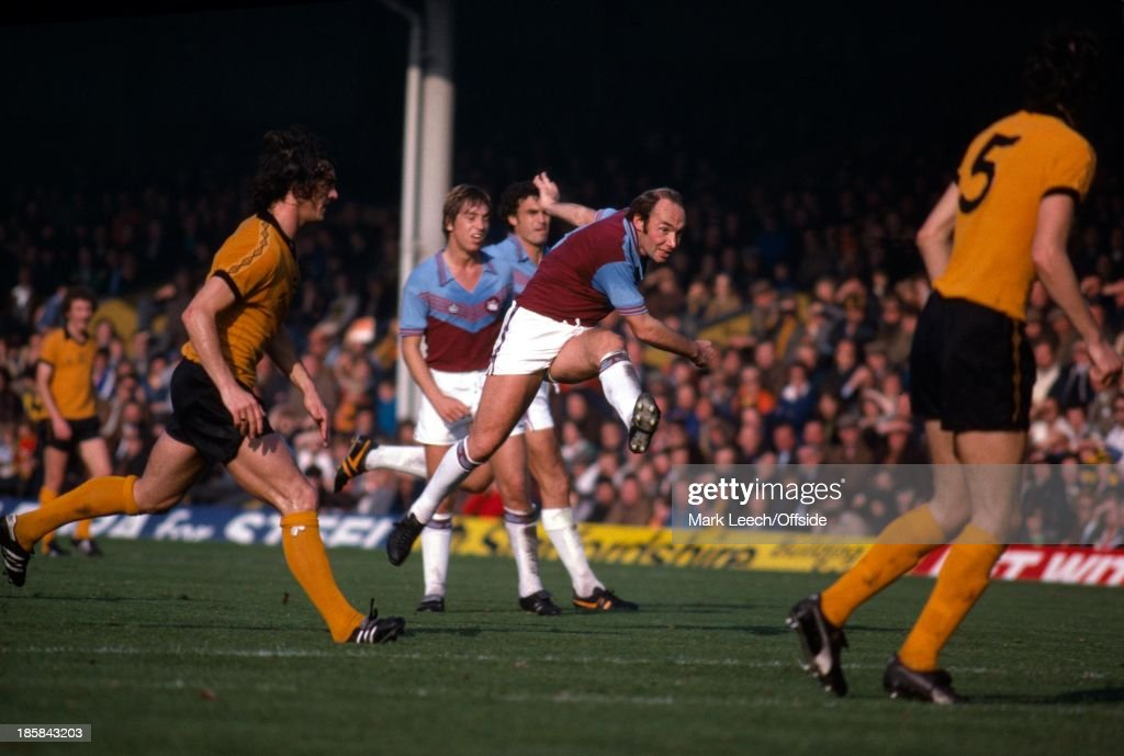 Wolves v West Ham Football League 1977 : News Photo