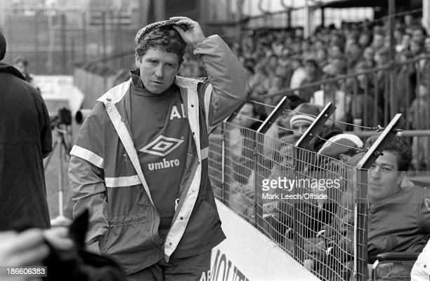 English Football League Division Two Portsmouth v Stoke City Portsmouth manager Alan Ball lifts his cap