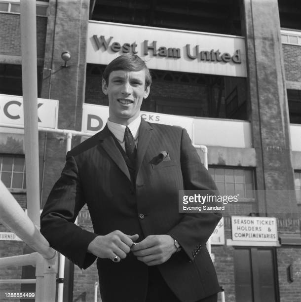 English footballer Alan Stephenson signs for West Ham United in London, UK, 12th March 1968. The club paid a record fee of £80,000.