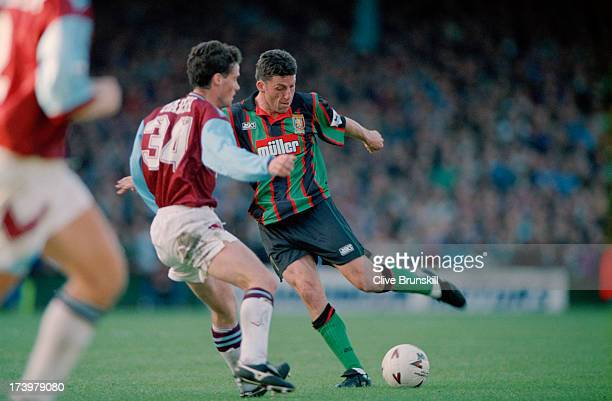 English footballer Andy Townsend in action for Aston Villa against West Ham in an English Premier Division match at Upton Park, London, 16th October...