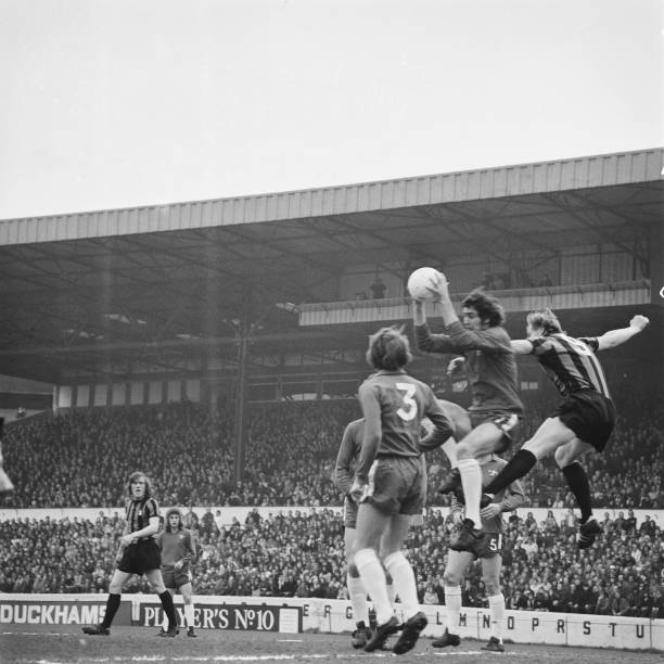 English footballer Peter Bonetti of Chelsea FC with the ball during a League Division One match against Coventry City at Stamford Bridge in London,...