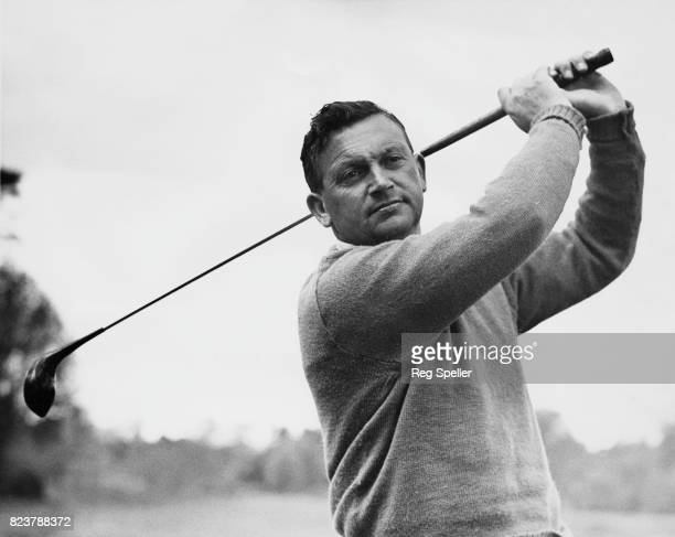 English golfer Arthur Lees during the Dunlop 2000 guineas tournament at Wentworth Club Virginia Water Surrey 6th May 1949 The tournament was won by...