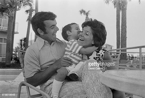 English golfer Tony Jacklin with his wife Vivien and one of their sons, Florida, USA, March 1972.
