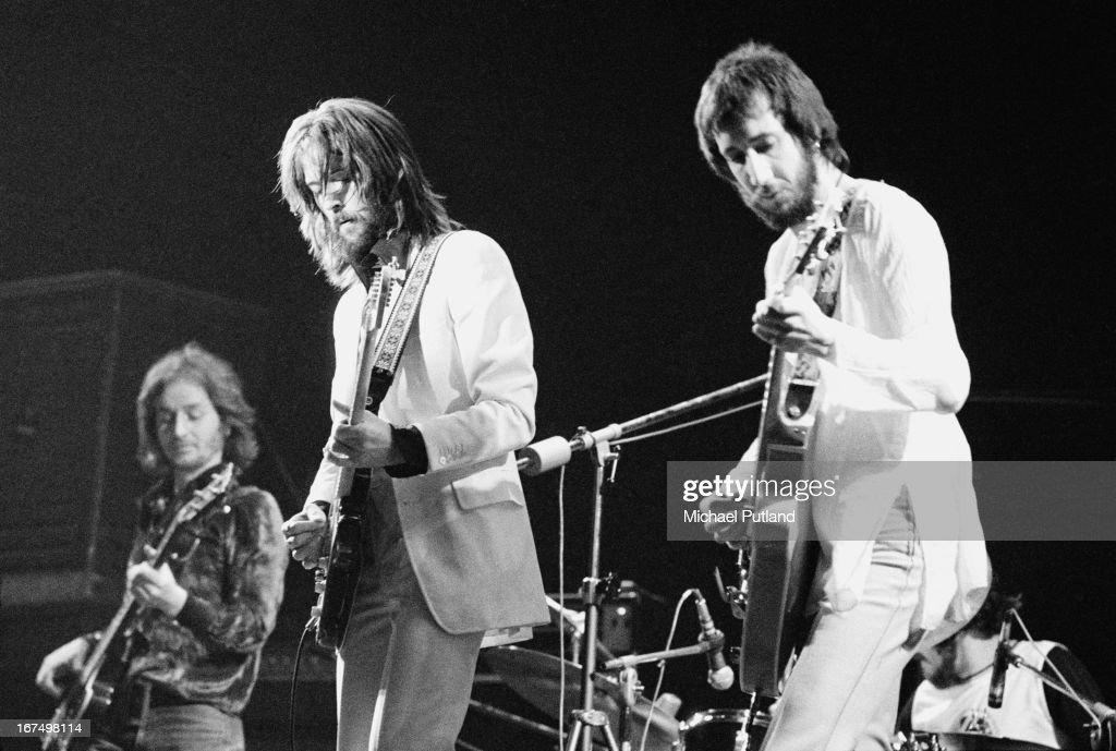 Eric Clapton's Rainbow Concert : News Photo