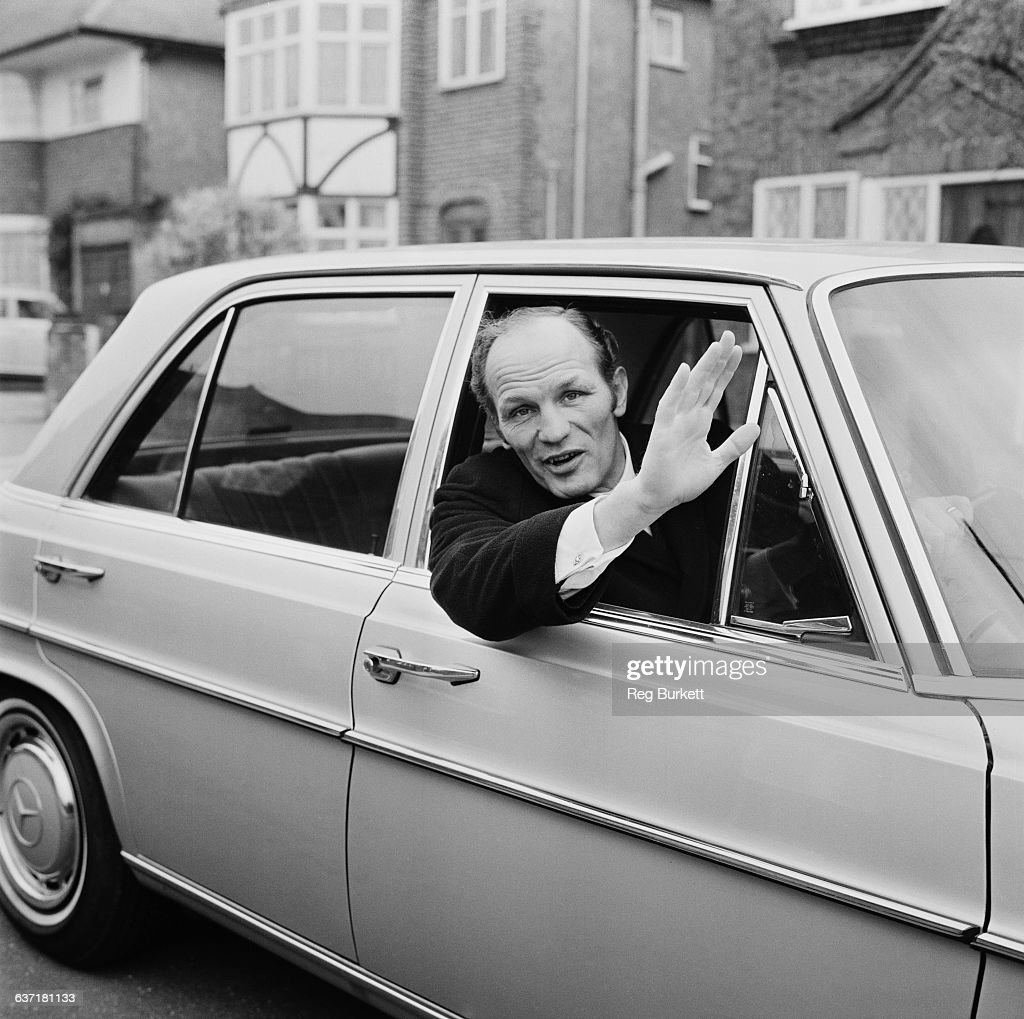 English heavyweight boxer Henry Cooper (1934 - 2011) at home, UK, 17th April 1971.