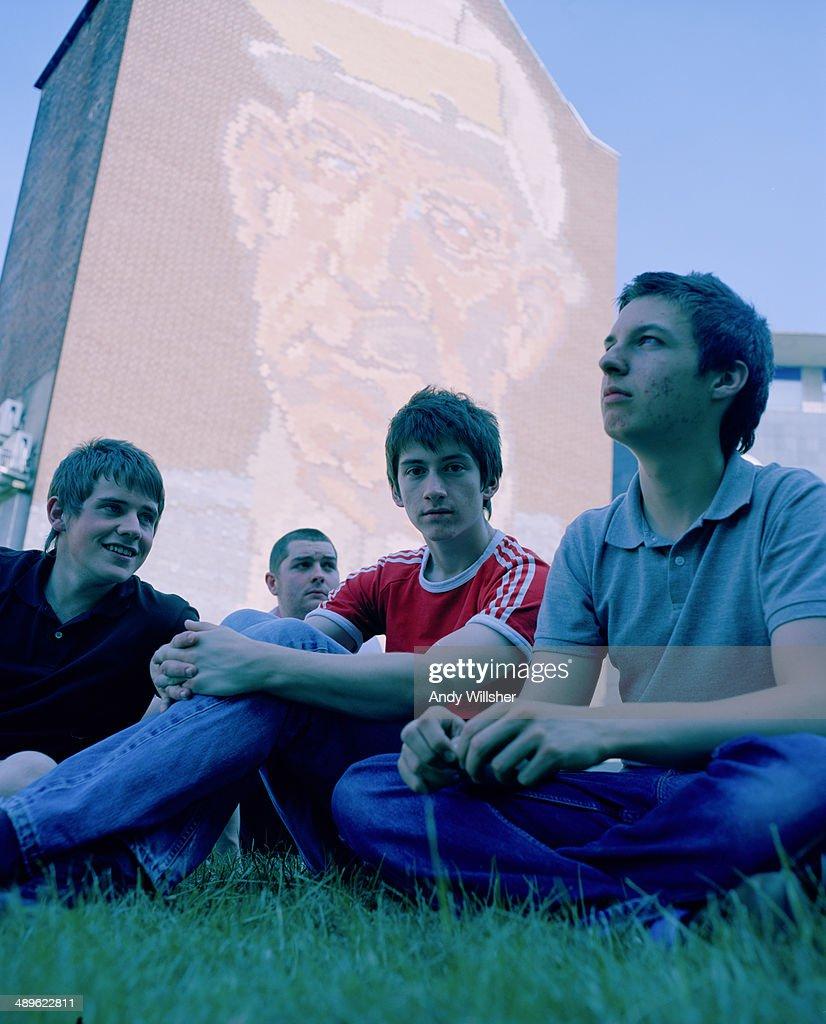 English indie rock band Arctic Monkeys, 2006. Left to right: guitarist Jamie Cook, bassist Andy Nicholson, singer Alex Turner and drummer Matt Helders.