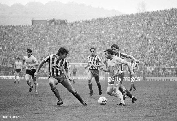 English League Division One match at Hillsborough. Sheffield Wednesday 0 v Everton1. Action during the match with Peter Reid on the ball, 4th May...
