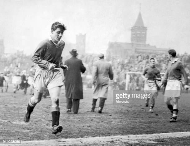 English League Division One match at Old Trafford, Manchester United 1 v Cardiff City 4, Sixteen year old Duncan Edwards sprints off the pitch after...