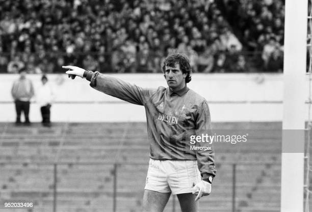 English League Division One match at Stamford Bridge. Chelsea 1 v Tottenham Hotspur 1. Spurs goalkeeper Ray Clemence, 27th April 1985.
