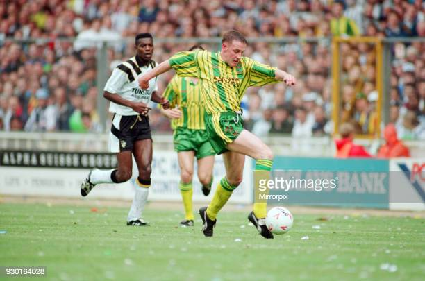 English League Division Two Play Off Final at Wembley Stadium. West Bromwich Albion 3 v Port Vale 0. Action during the match, 30th May 1993.