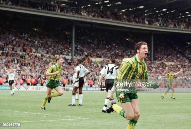 English League Division Two Play Off Final at Wembley Stadium. West Bromwich Albion 3 v Port Vale 0. West Brom's Andy Hunt celebrates after he scored...