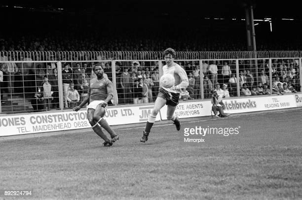 English League Division Two Reading 2 -2 Portsmouth match held at Elm Park, 18th April 1987.