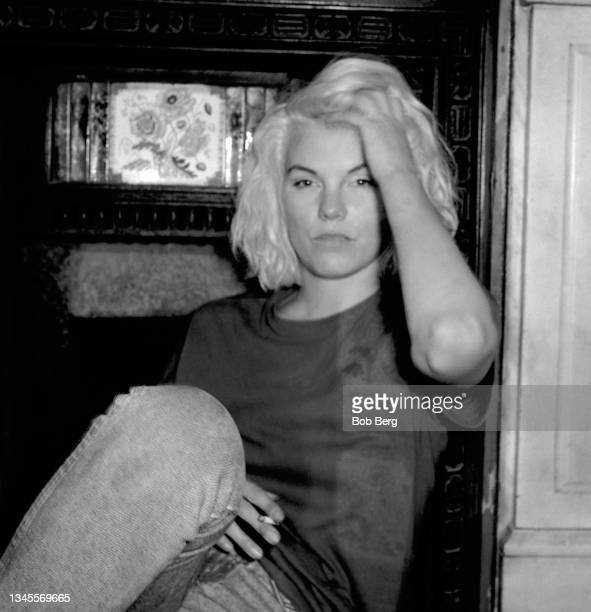 English model, actress and author Sara Stockbridge poses for a portrait circa 1985 in London, England. In the 1980's, she was the muse of fashion...